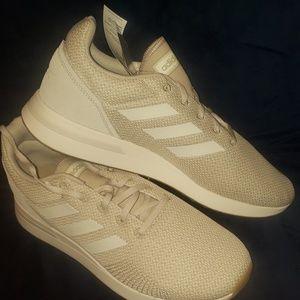 Adidas Run70s size 11